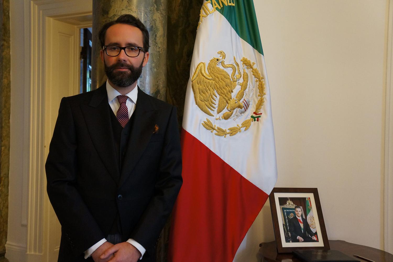ENTREGA EMBAJADOR DE MÉXICO CARTAS CREDENCIALES A REINA ISABEL
